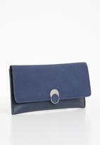 STYLE REPUBLIC - Leather-look purse - navy