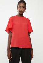 edit - Flutter sleeve blouse - red