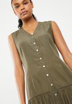 G Couture - Sleeveless button down tunic - green