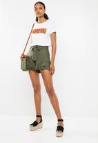 Superbalist - Soft frill shorts - green