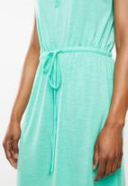 edit - Sleeveless day dress - green