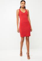 Superbalist - Sweetheart neckline bodycon dress - red
