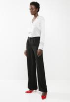 edit - Button down shirt - black and white