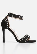 Miss Black - Zeenat heel - black