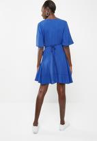 c(inch) - Frill detail wrap dress - blue