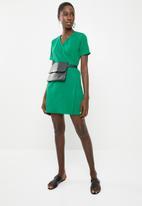 c(inch) - Basic wrap dress - green