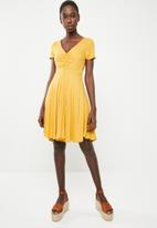 c(inch) - Ruched front fit and flare dress - yellow