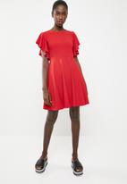 c(inch) - Sleeve detail fit And flare dress - red