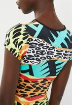 c(inch) - Basic fitted bodycon dress - multi