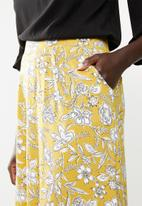 edit - Fit and flare skirt - yellow