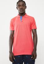 STYLE REPUBLIC - VIP Golfer short sleeve tee - coral