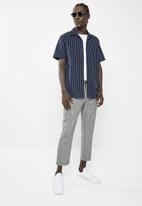 Superbalist - Short sleeve cuban collar stripe shirt - navy