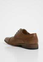 Michael Daniel - Liam capped leather derby - brown