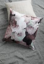 Grey Gardens - Rose velvet cushion cover - mauve