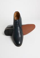 Michael Daniel - Jarred Pin punch leather boot - navy