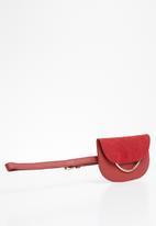 New Look - Romy metal purse belt - red