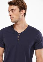Cotton On - Essential short sleeve henley - navy