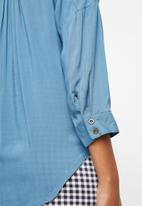 G Couture - Button down shirt with hem tie - blue
