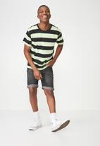 Cotton On - Downtown loose fit tee - green & black