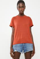 Superbalist - Tee with v back - tan