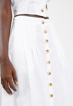 STYLE REPUBLIC - Front button midi skirt - white