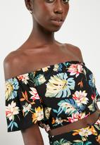 STYLE REPUBLIC - Bardot crop top - black