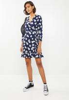 ONLY - Ellen wrap dress - navy & white