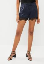 ONLY - High waisted puff shorts - navy