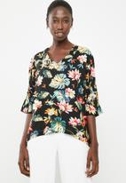 Superbalist - V-neck blouse - black floral
