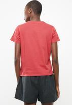Superbalist - Rolling summer short sleeve tee - red