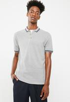 Superbalist - Pique tipped short sleeve slim fit polo - grey