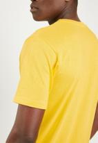 STYLE REPUBLIC - Proud minds tee - yellow