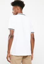 Superbalist - Pique tipped short sleeve slim polo - white