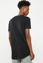 Superbalist - Curved hem longline tee - black