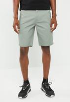 Superbalist - Slim chino shorts - green
