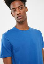 Superbalist - Crew neck short sleeve tee - blue