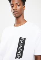 Superbalist - Printed loose fit tee - white