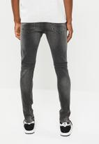 Only & Sons - Loom washed slim fit jeans - black