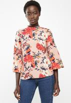 ONLY - Patrice 3/4 highneck woven top - pink