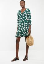 ONLY - Ellen wrap dress - green