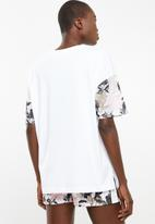 Converse - Linear floral graphic tee - white