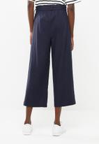 Superbalist - Linen tie front culotte - navy