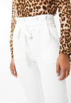 STYLE REPUBLIC - Highwaisted paperpag pants - white