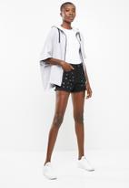 Superbalist - Eyelet detail denim shorts - black