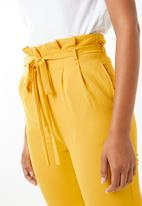 STYLE REPUBLIC - Highwaisted paperpag pants - yellow