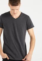 Cotton On - Essential v-neck  tee - grey