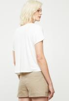 Superbalist - Slub tee with v-neck - white