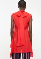 STYLE REPUBLIC - High neck kittybow blouse - red