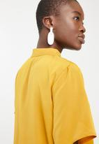 STYLE REPUBLIC - Choker neckline blouse - yellow