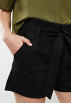 Superbalist - Utility shorts - black